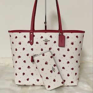 NEW💃COACH REVERSIBLE CITY TOTE AND WALLET SET